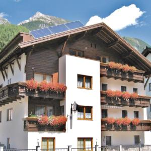 Foto Hotel: Three-Bedroom Apartment in Pettneu, Pettneu am Arlberg