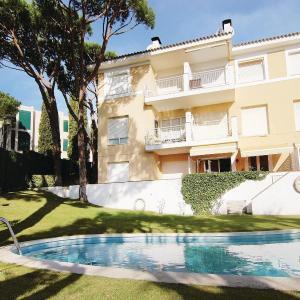 Hotel Pictures: Studio Apartment in Calella de Palafrugell, Calella de Palafrugell
