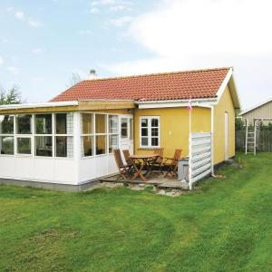Hotel Pictures: Holiday home Lykkens Håb, Stenbjerg