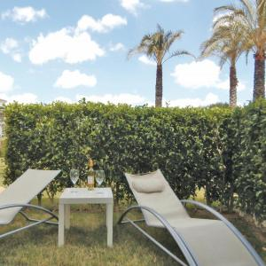 Hotel Pictures: Apartment Calle Anchoa III, Los Tomases