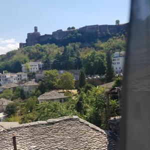 Hotelbilder: Lori's traditional house, Gjirokastër