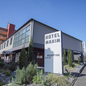 Hotel Pictures: Hotel Maxim, Langenfeld