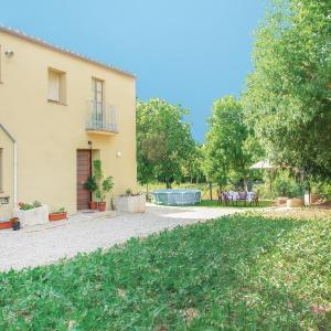 Hotel Pictures: Four-Bedroom Holiday Home in La Vall Llerss, Llers