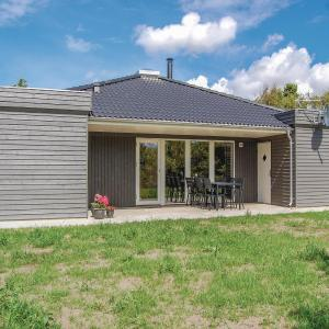 Hotel Pictures: Three-Bedroom Holiday Home in Ulfborg, Ulfborg