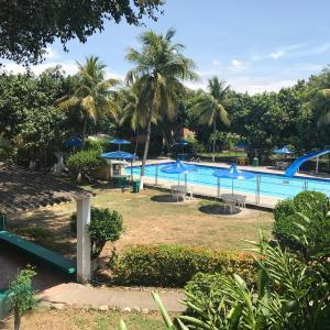 Hotel Pictures: Hostal Don Jotas, Ricaurte