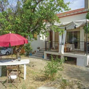 Hotel Pictures: Holiday Home Vinassan Rue Du Chateau D'Eau, Vinassan