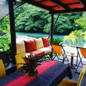 Hotel Pictures: Salt Lake Lodge, Savusavu