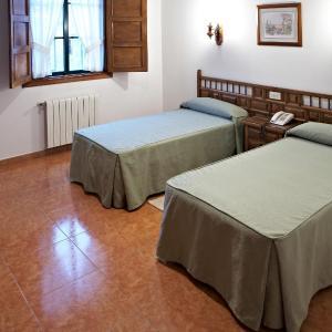 Hotel Pictures: Hospederia Monasterio de Poio, Poio
