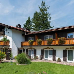 Hotel Pictures: Pension Wendelstein, Miesbach