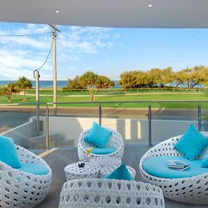 Hotellbilder: Ocean Villa - Pool, Patrolled Beach and Ocean Views, Buddina