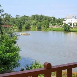 Hotel Pictures: Apartment Appartement 1 chambre vue sur lac et proche plage, Talmont