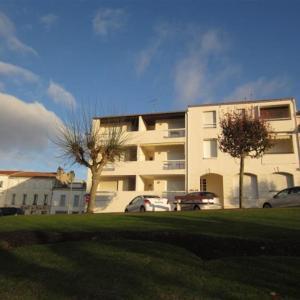 Hotel Pictures: Apartment St georges de didonne, appartement belle vue mer, acces direct plage, Saint-Georges-de-Didonne