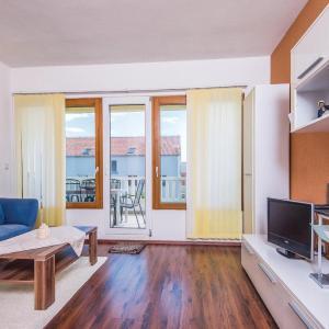 Fotos de l'hotel: Three-Bedroom Apartment in Orebic, Orebić