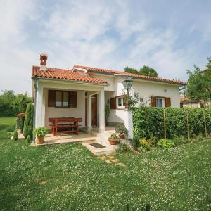 Hotel Pictures: Holiday home Vrecari I, Labin