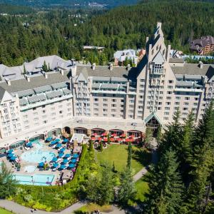 Hotel Pictures: Fairmont Chateau Whistler, Whistler