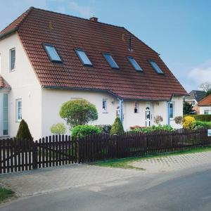 Hotel Pictures: Holiday Apartment Zeschdorf 02, Neuzeschdorf