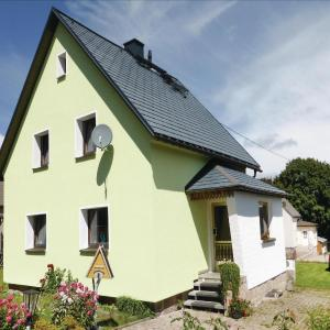 Hotel Pictures: Holiday home Waldstr L-594, Schönheide