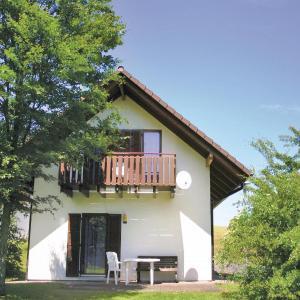 Hotel Pictures: Five-Bedroom Holiday home Reimboldshäuser 05, Kemmerode