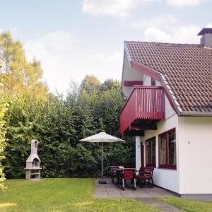 Hotelbilleder: Three-Bedroom Holiday home with Lake View in Kirchheim, Kemmerode