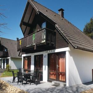 Hotel Pictures: Holiday Home Feriendorf Frankenau 8, Frankenau
