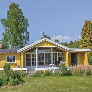 Hotel Pictures: Holiday Home Hillerod with Fireplace I, Nejede