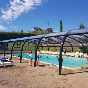 Hotel Pictures: Vivacamp La Grappe Fleurie, Fleurie