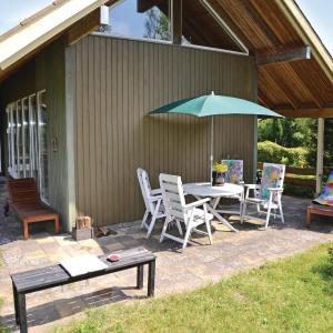 Hotel Pictures: Holiday home Løvsangervej Dronningmølle I, Dronningmølle