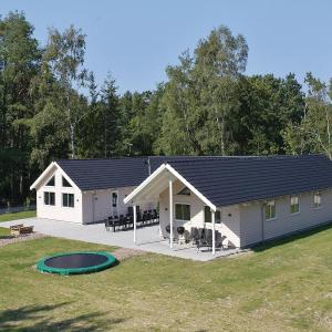 Hotel Pictures: Holiday Home Frederiksværk - 01, Melby