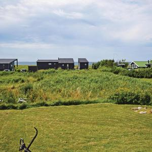 Hotel Pictures: Three-Bedroom Holiday Home in Sjallands Odde, Yderby