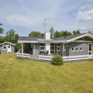 Hotel Pictures: Four-Bedroom Holiday Home in Asnas, Asnæs