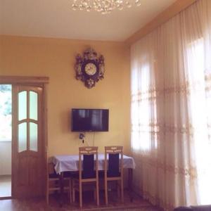 Hotellikuvia: Orange House In Kvariati, Kvariati