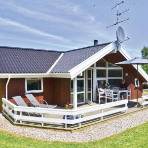 Hotel Pictures: Holiday home Stentoften XI, Hesselager