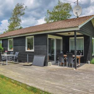 Hotel Pictures: Three-Bedroom Holiday Home in Hesselager, Hesselager