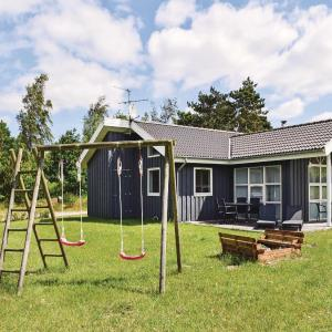 Hotel Pictures: Holiday home Fuglevad Knebel, Knebel