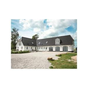 Hotel Pictures: Holiday home Dyrehavevej, Allestrup
