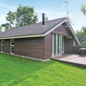 Hotel Pictures: Holiday home Astridvej, Stokkebro