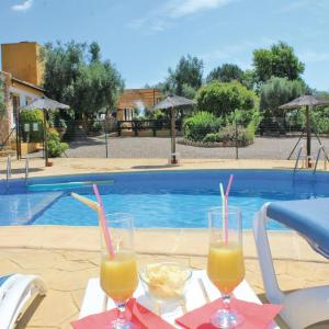 Hotel Pictures: Five-Bedroom Holiday Home in Hornachuelos, Hornachuelos