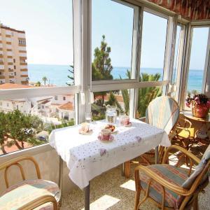 Hotel Pictures: Two-Bedroom Apartment in Torrox Costa, Torrox Costa