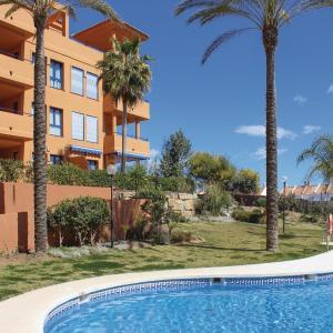 Hotel Pictures: Three-Bedroom Apartment in Sabinillas, Castillo de Sabinillas