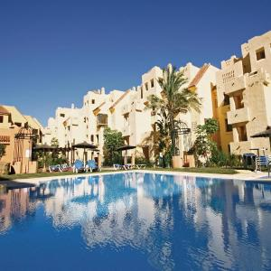 Hotel Pictures: Apartment Duquesa V, Castillo de Sabinillas