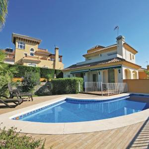 Hotel Pictures: Holiday home Coin Calle Poleo, Coín