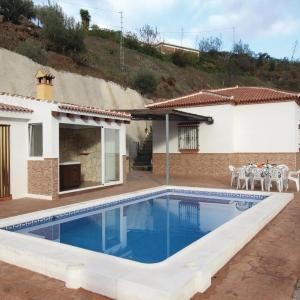 Hotel Pictures: Holiday Home Daimalos (Malaga) with Fireplace I, Daimalos
