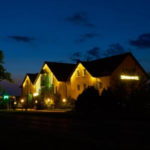 Hotel Pictures: Hotel Wutzler, Miesitz