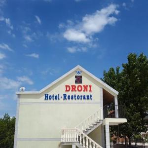 Hotellikuvia: Hotel Droni, Velipojë