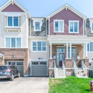 Hotel Pictures: ★ Ultimate Stay In This Brand New Home ★, Brampton