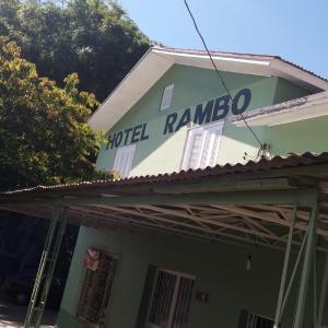 Hotel Pictures: Hotel Rambo, Feliz