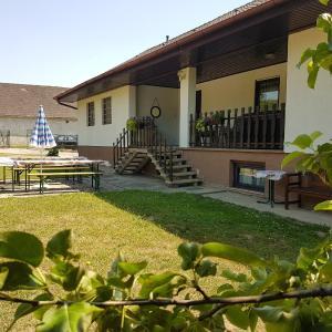 Hotellikuvia: Ferienhaus Raphael, Münichsthal