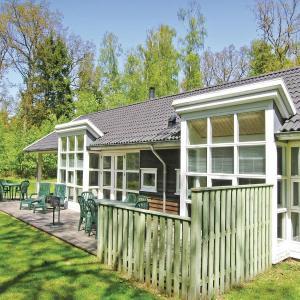 Hotel Pictures: Rubinsøen Skovhuse Hasle, Hasle
