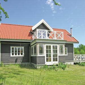 Hotel Pictures: Holiday Home Nexø with Fireplace 12, Bodilskirke