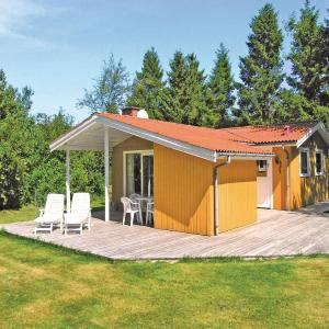 Hotel Pictures: Holiday home Myrevej Nexø III, Langedeby